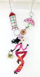 - Mine İşlemeli Genç Kız Figürlü Fantastik Tasarım Kolye - Rhodium Kaplama