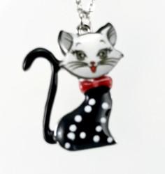 Mine İşlemeli Sevimli Kedicik Kısa Tasarım Kolye - Rhodium Kaplama - Thumbnail