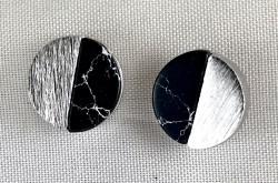 - Oniks Taşlı Gümüş Küpe